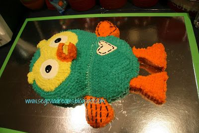 Segovia: Hoot the Owl birthday cake in pictures