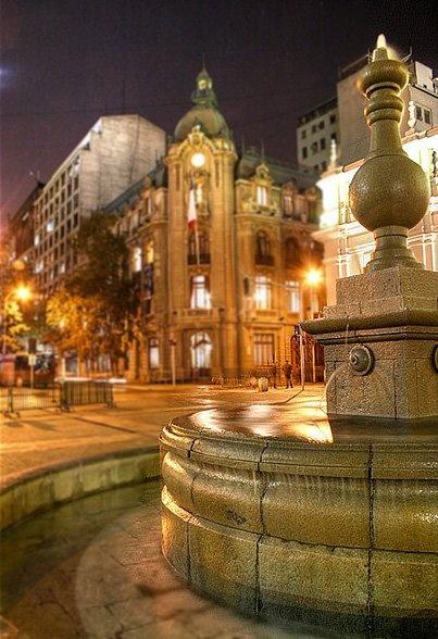 Edificio de la Intendencia, Santiago, Chile - Jose Barrera - http://bit.ly/6VskWZ — en Santiago, Chile.