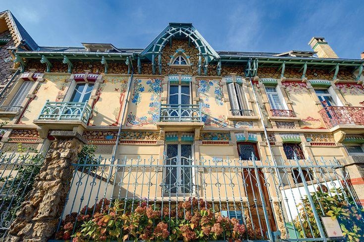 Nancy demeure peu connue des Français. Une injustice ! Entre architecture classique et Art nouveau, la ville abrite un patrimoine d'exception, particulièrement bien mis en valeur.
