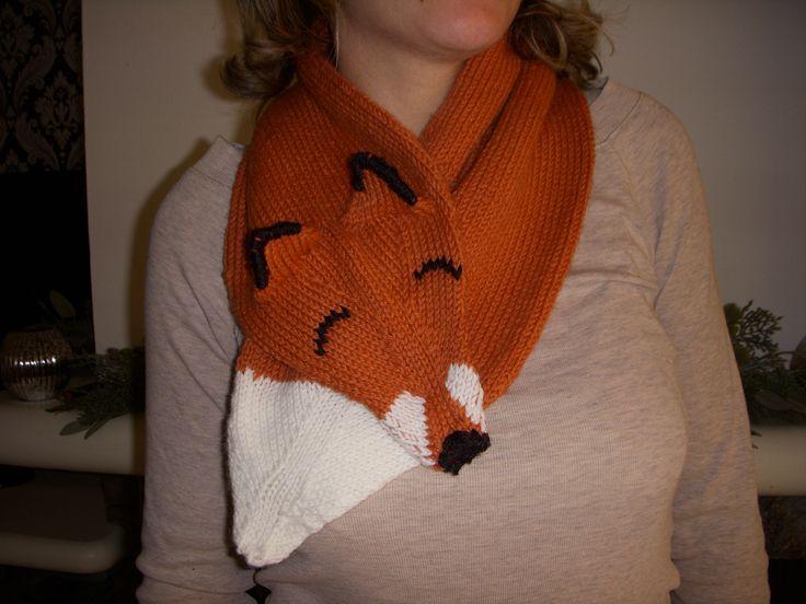 Sciarpa a forma di volpe lavorata a maglia da me