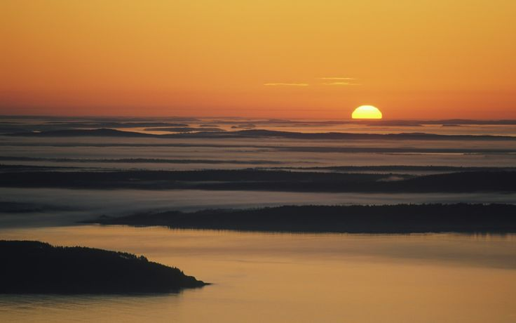 Best Sunrise Photos | Best Sunrise Pictures | Rough Guides Watch America's first sunrise on Cadillac Mountain, USA