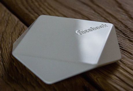 BLE: Facebook-branded Bluetooth beacons send location signals to nearby smartphones