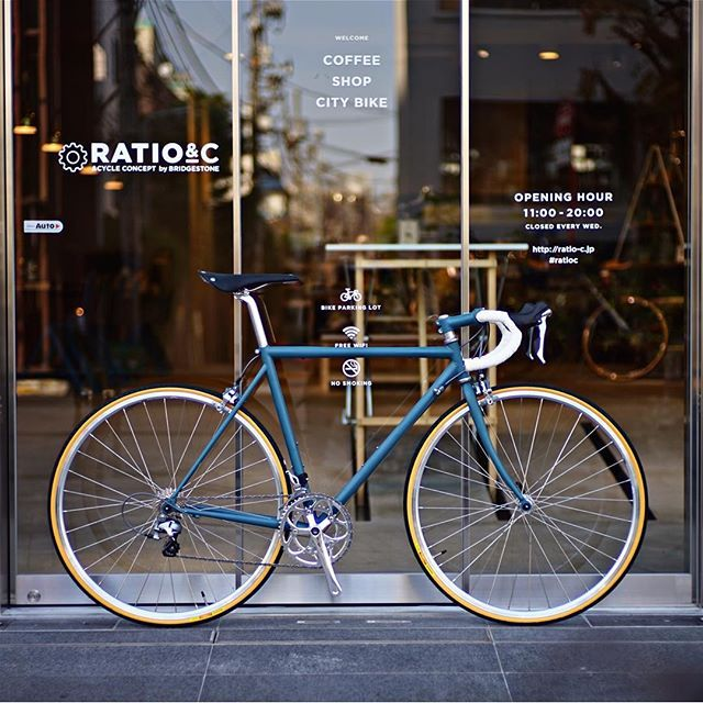カジュアルに街も流せるロードバイク #tokyoandcycle #BridgestoneNEOCOT N3 550mm DAL BLUE MAT CLEAR #NITTO #Drophandle &Colored stem #BROOKSSADDLE Cambium #NITTO S65 seat post #SUGINO  Double gear crank #Bridgestone Silver wheel #PANARACER Pasela 25C #SHIMANO 105 2x11 & STI #ratioc #ratiocoffeeandcycle #gaienmae #bridgestonecycle #bicycle #neocot #roadbike #citybike #steelbike  #crmo #cromly #mynitto #rnc3 #自転車 #ロードバイク #シティバイク #自転車のある生活は素晴らしい  #madeinageo #rnc3