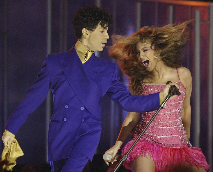 Beyonce, right, and Prince perform during the 46th Annual Grammy Awards in Los Angeles. In an industry where collaborations with other artists and credits are negotiated as heavily as world treaties, Prince followed only one credo when it came to working with others: the love of the music.