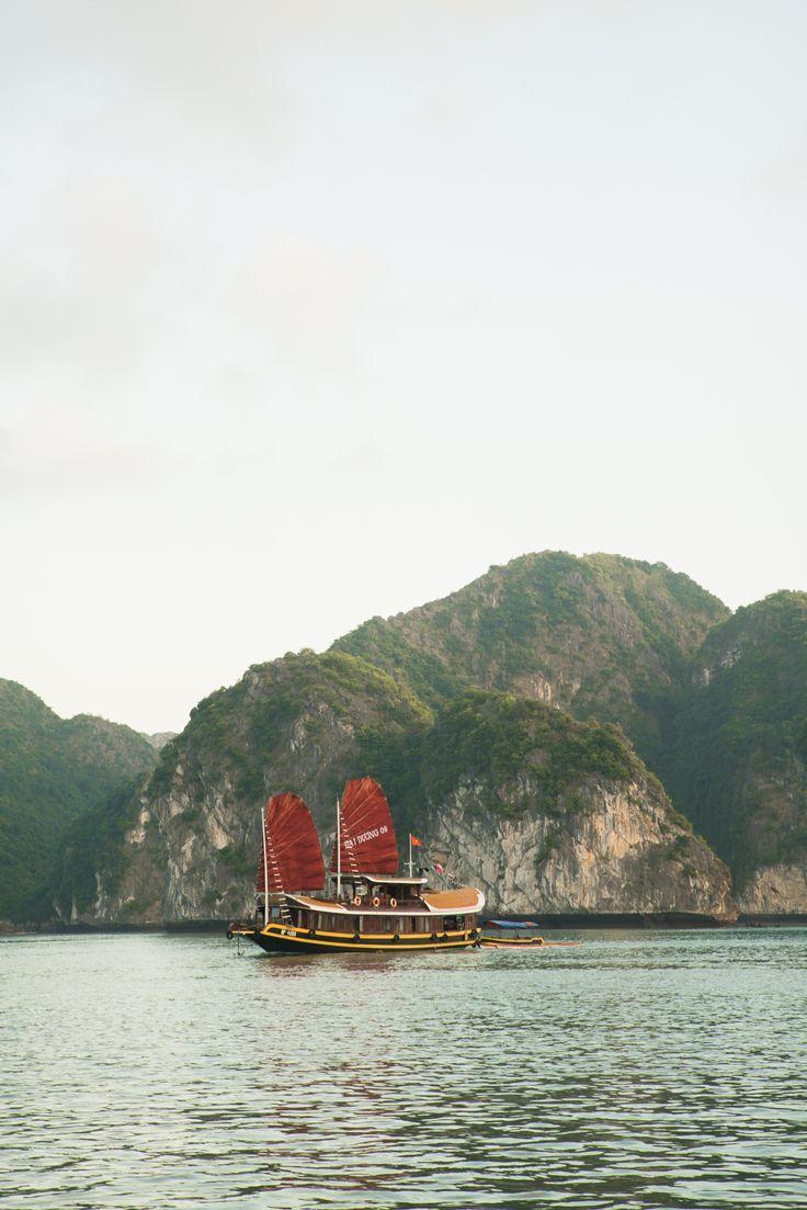 Ha Long Bay #lifewelltravelled / Jennifer Chong