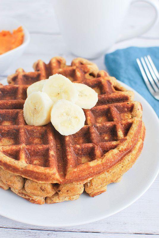 Paleo Sweet Potato Waffles #healthy #paleo #sweetpotato