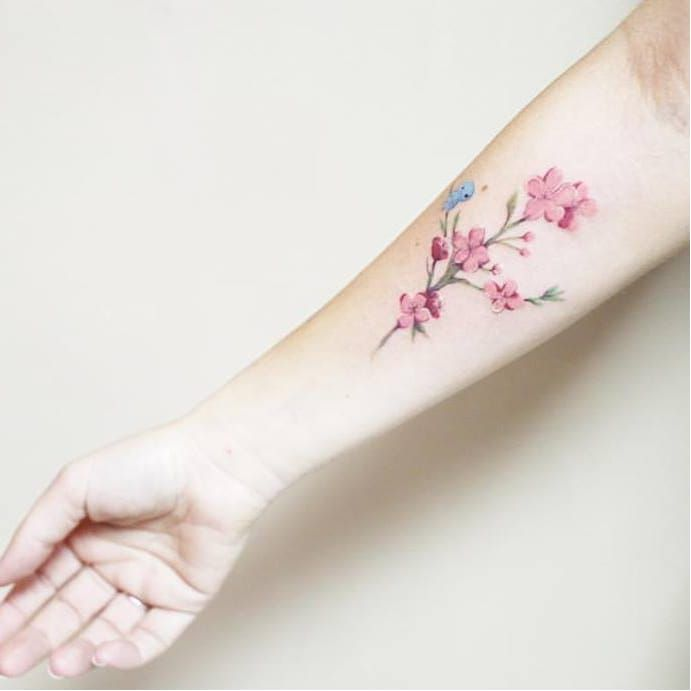 Delicate tattoo by luiza oliveira luizaoliveira small for Delicate female tattoos