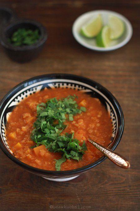 rozgrzewająca zupa soczewicowa z dynią