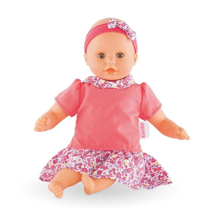 Mon Premier Bébé Câlin Mélodie est le petit poupon interactif musical. L'enfant peut facilement activer plusieurs mélodies en appuyant sur son ventre. Sa taille est parfaitement adaptée aux petits bras de votre enfant pour le câliner et le cajoler tendrement. Son corps souple lui permet de prendre les mêmes positions qu'un vrai bébé. Son visage, ses bras et ses jambes sont en vinyle doux au toucher. Ils sont délicatement parfumés à la vanille pour que les câlins de votre enfant à son ...