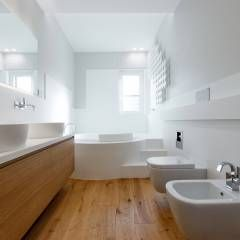 Casa - Studio: Bagno in stile in stile Moderno di ARCHILAB architettura e design