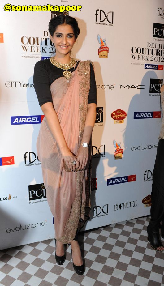Glamazon Sonam Kapoor Dazzles at Anamika Khanna's Show at Delhi Couture Week