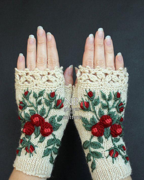 Guantes de marfil con rosas rojas, mitones de punto, guantes y mitones, mitones, ideas de regalos, para ella, accesorios de invierno, marfil, rosas