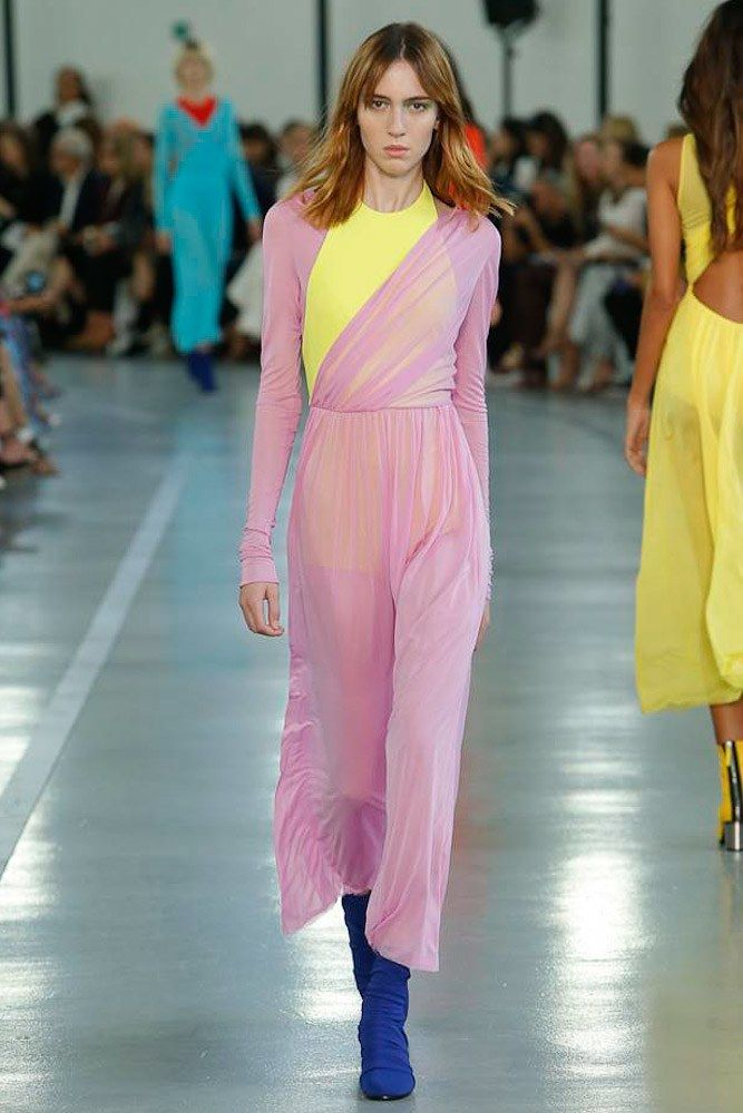 See the complete Emilio Pucci Spring 2017 Ready-to-Wear collection.
