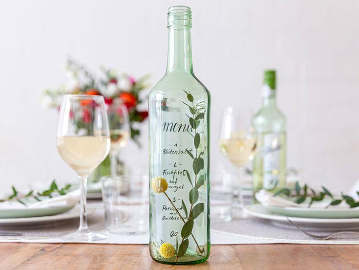 DIY-Anleitung: Handlettering Menükarte in einer Weinflasche via DaWanda.com