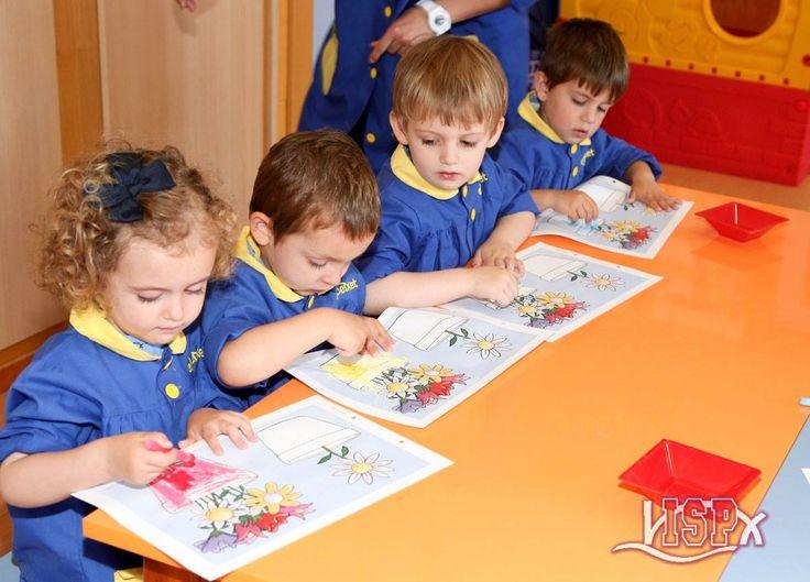 P2 #BabygardenISP continúa con trabajos de experimentación en el aula. ¡Artistas!  #InteligenciaArtísticaISP  #InglésISP #plurilingüismoISP