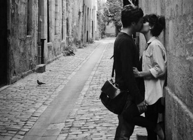 Diferentes tipos de besos para no permitir que la llama se extinga y seguir demostrando lo mucho que nos importa unir nuestros labios con los suyos.