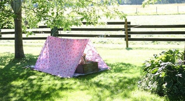 Make a super-easy backyard tent for outdoor play.