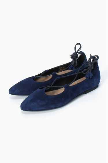 SUSI RUIZ スエードフラットレースアップシューズ  SUSI RUIZ スエードフラットレースアップシューズ 16200 2016SS SLOBE IENA SUSI RUIZ 1980年スペインで誕生 創業以来女性のための靴作りを続け30年以上続く経験を基によりフィットする素材や製法を追求しています すべての女性がよりライフスタイルにあった靴を選べるよう製品作りにこだわり続けています こちらの商品はSLOBE IENAでの取り扱いになります 直接店舗へお問い合わせの際はSLOBE IENA店舗へお願い致します