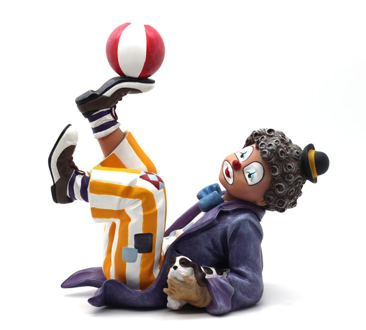"""Keep it Up  Reference: 726037 Sizes: 16.5cm - 6 1/2"""" Limited edition: Numbered edition  http://thecollectorsboutique.com/en/63-the-art-of-enchantment  #decoration #sale #porcelain #home decor #clown #figurine"""
