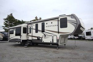 A separate guest room/office WHAT?!?!? The new 2016 Keystone Montana 3950BR 5th Wheel For Sale - MO6705 - 1