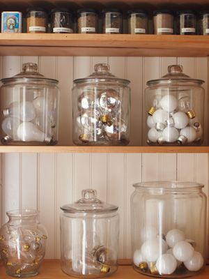 organized, clean, jars---if I had the room, this would be a great way to store light bulbs (clean, organized, and able to see when you need more)