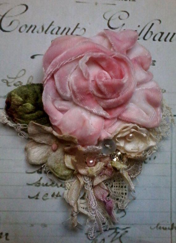 victorian,shabby chic, brooch,corsage,hair accessory,velvet,flowers,silk,wedding,vintage,romantic,hand made,