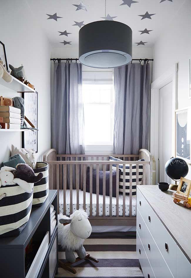 Quarto De Bebê Pequeno Em Inspiração Preto E Branca