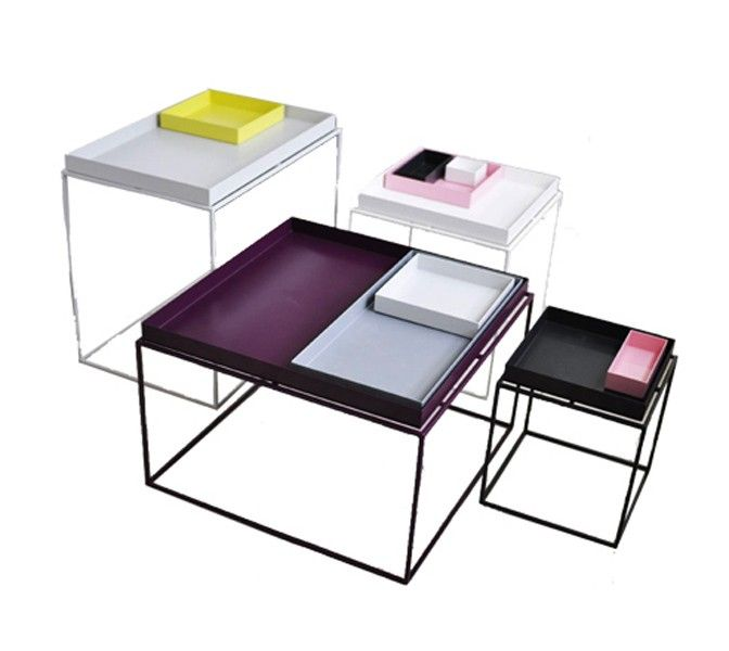 Hay Tray Table ble designet for erstatte større bord med en kombinasjon av mindre lampebord. Bordplaten kan også brukes som serv