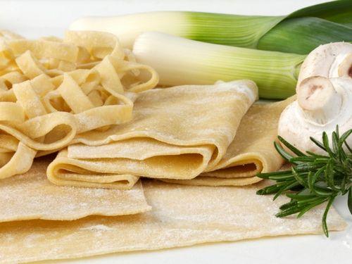 Pasta fresca fatta in casa senza uova: ricetta Bimby