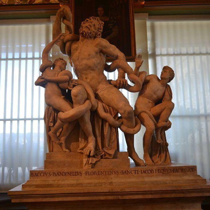 #RomanHoliday#Rome#Milan#Pisa#Florence#Italy#Europe#римскиеканикулы#рим#милан#пиза#флоренция#талия#instatag#fashion#instadaily#instalike#love#travel#amazing#smile#trip http://tipsrazzi.com/ipost/1516047024222303101/?code=BUKFLx1jvN9