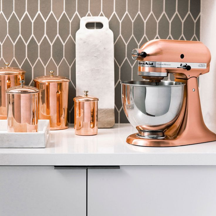 Outfit your home (particularly your kitchen) with accessories and appliances made with copper, which instantly elevates everything that surrounds it.