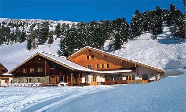 Cazare hoteluri pensiuni cabane: Despre cazarea la cabana Montana http://www.turistbooking.ro/