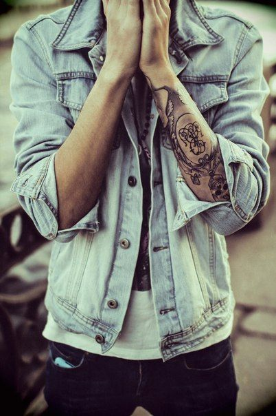 I really like that tattoo and everything about this