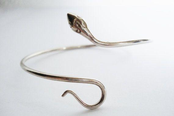 Vintage Snake Bangle Sterling zilver. van PreciousRevival op Etsy