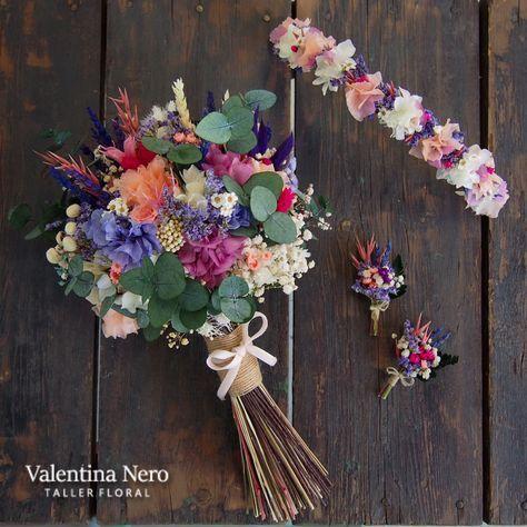 ramo de novia con flores preservadas, corona y prendidos. valentina