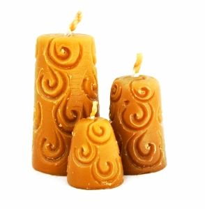 """GlobeIn: Set of 3 handmade wax candles from """"The Roof of the World - The High Pamirs""""  #globein"""