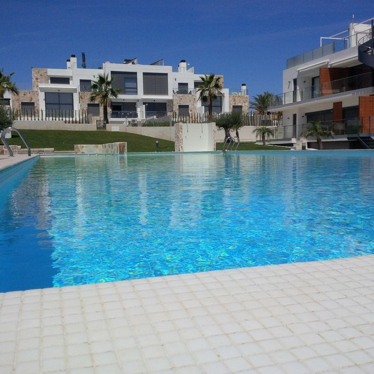 Starting 135.000 €. Punta Prima is a residential area that is located only 5 minutes from Torrevieja and to the best beaches in Orihuela Costa, which is able to be enjoyed most year round. It is almost perfect for those who want to live in Spain or just want to come on Holidays. It also counts on a wide selection of activities and services. It is handly for golf lovers , with in a short distance you can find 3 exceptional golf courses: Villamartín, Las Ramblas and Campoamor
