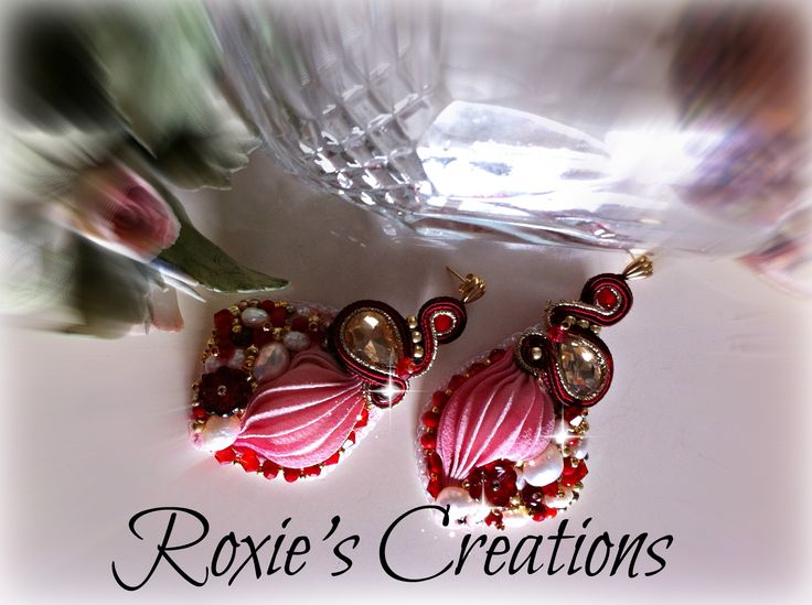 https://www.facebook.com/pages/Roxies-Creations/1425843984294757