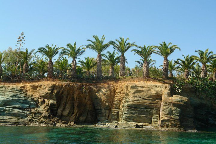 Iraklion-Agia Pelagia coastline