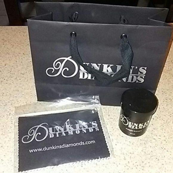 Dunkin diamond cleaner Includes brand new cloth. dunkin diamonds Accessories
