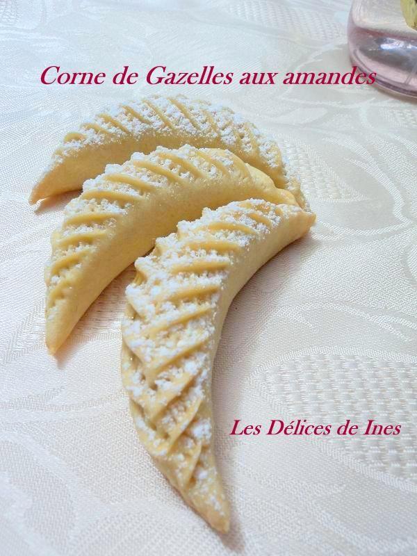 Corne de gazelle de Hanane dans Patisserie algérienne et orientale DSC01924