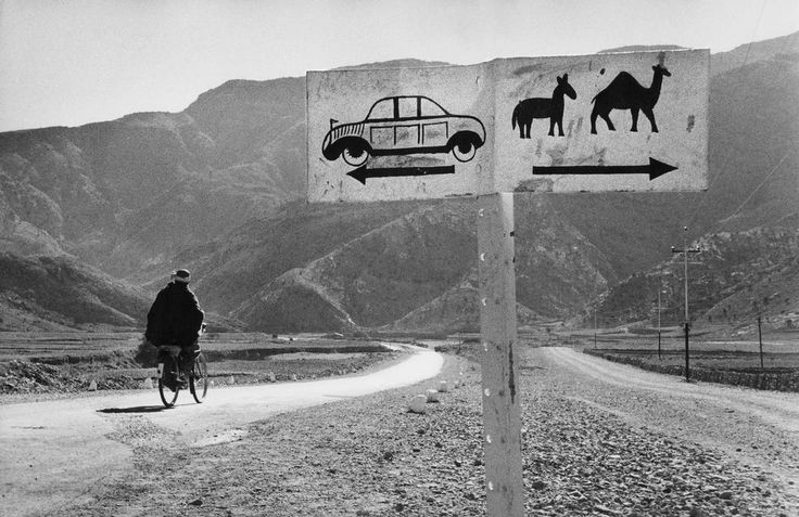 .AFGHANISTAN. Khyber Pass road. 1956 - Photo Marc RiboudPhotos, White Photography, Afghanistan, 1955, Places, Fine Photography, Marc Riboud, Roads, Khyber Pass