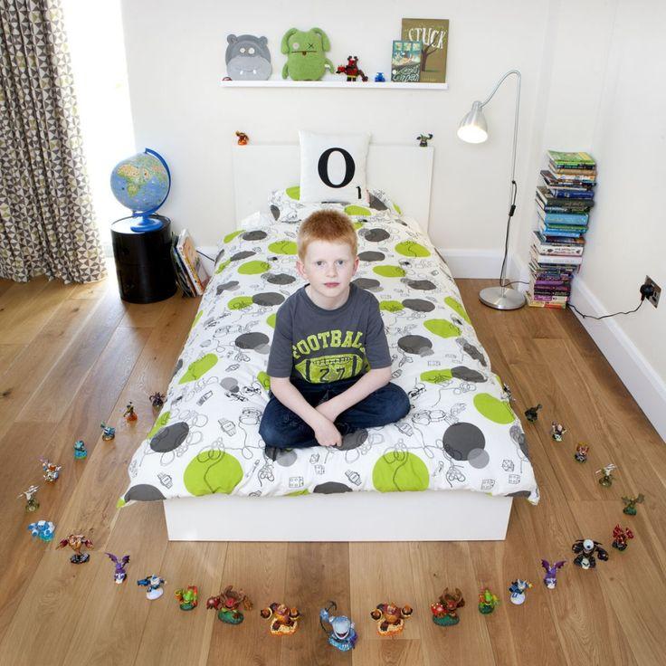 Oscar, 7 - Bradfortd on Avon, U.K. Toy Stories | gabriele galimberti