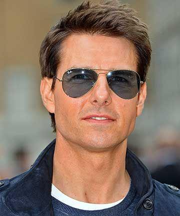 Tom Cruise wearing Ray-Ban Aviator sunglasses ...