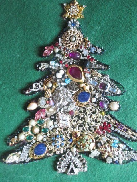Vintage Rhinestone Jewelry Christmas Tree Framed Art - Shadow Box | Collectibles, Holiday & Seasonal, Christmas: Modern (1946-90) | eBay!