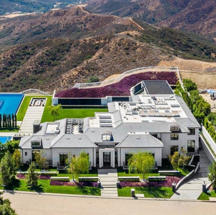Pin By Marseven On House Calabasas Homes Mansions Mansions Homes