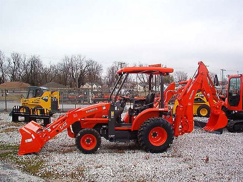 Used Kubota L39 Backhoe Loader is for sale at affordable discounted low price. Just visit our site and check the cheap used backhoe loader now.