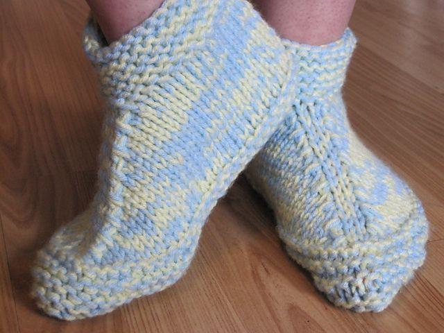 Free Knitting Pattern For Slipper Boots : 17 Best images about Crochet - socks/slippers on Pinterest ...