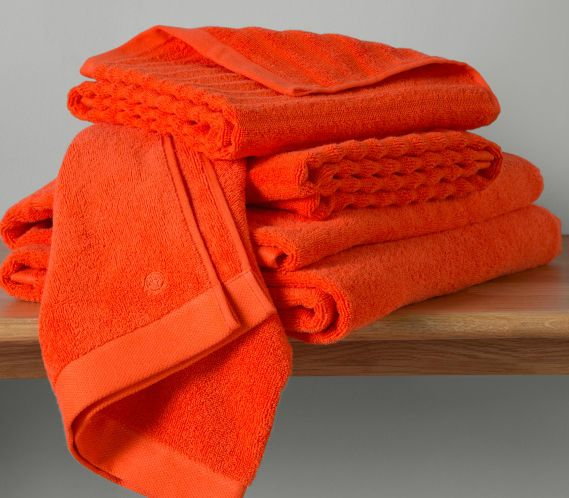 La collection Alto est fabriquée en exclusivité pour MADE au Portugal, un pays réputé pour la qualité de ses pièces textiles. Ces serviettes en coton égyptien 480 g/m² sont ultra moelleuses au toucher.
