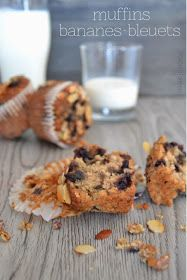 Healthier Banana & Blueberry Muffins with Strudel Topping | Muffins Santé aux bananes & bleuets — PasDeLaTarte.Ca